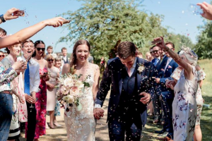 Instagram Confetti Moment Using Biodegradable Wedding Confetti Petals