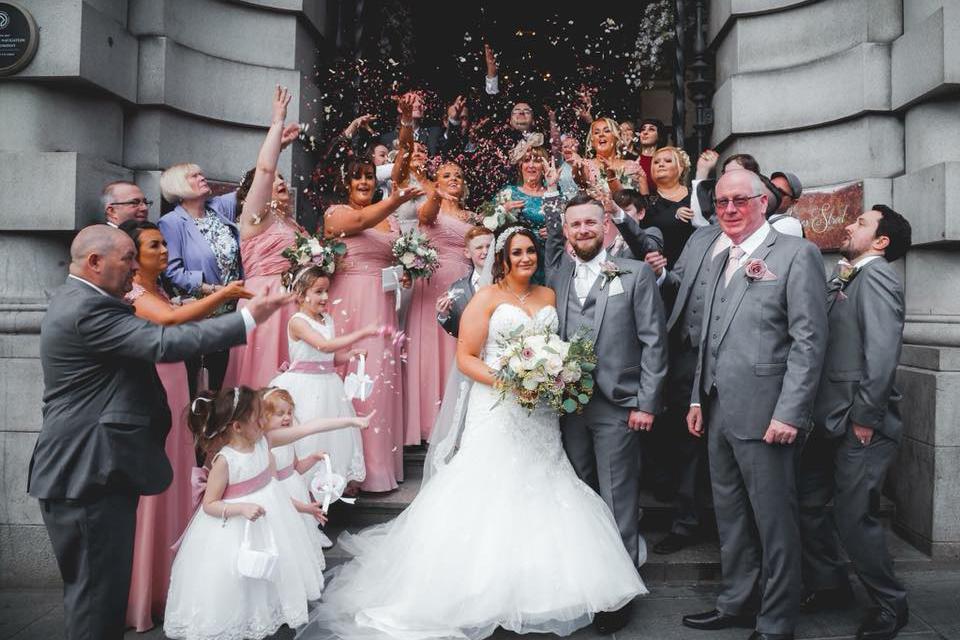 Natural biodegradable wedding confetti moment