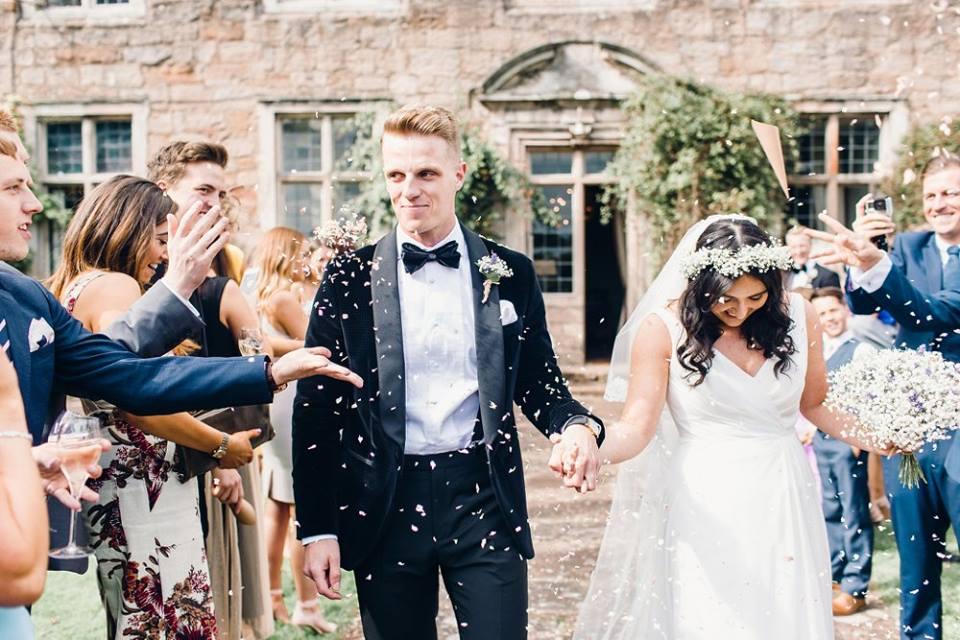 Personalised confetti cone wedding shot